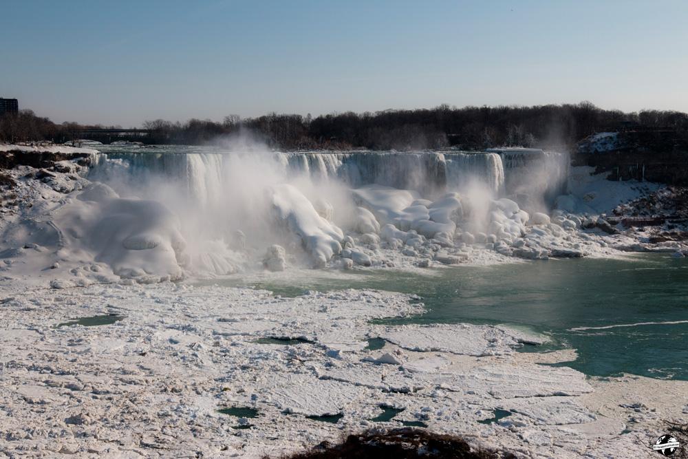chute du niagara gelée